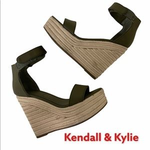 Kendall & Kylie Olive Green Wedge High  6M…